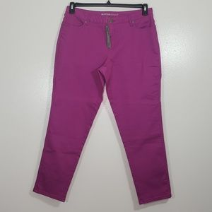 NWT Womens Avenue Fuschia  Color Jeans Size 16